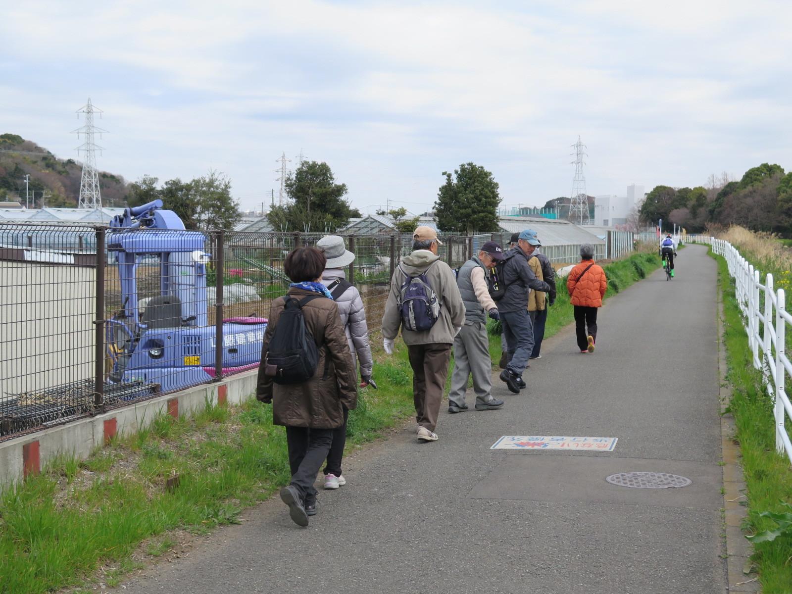 藤沢市と横浜市を分ける境川に出る