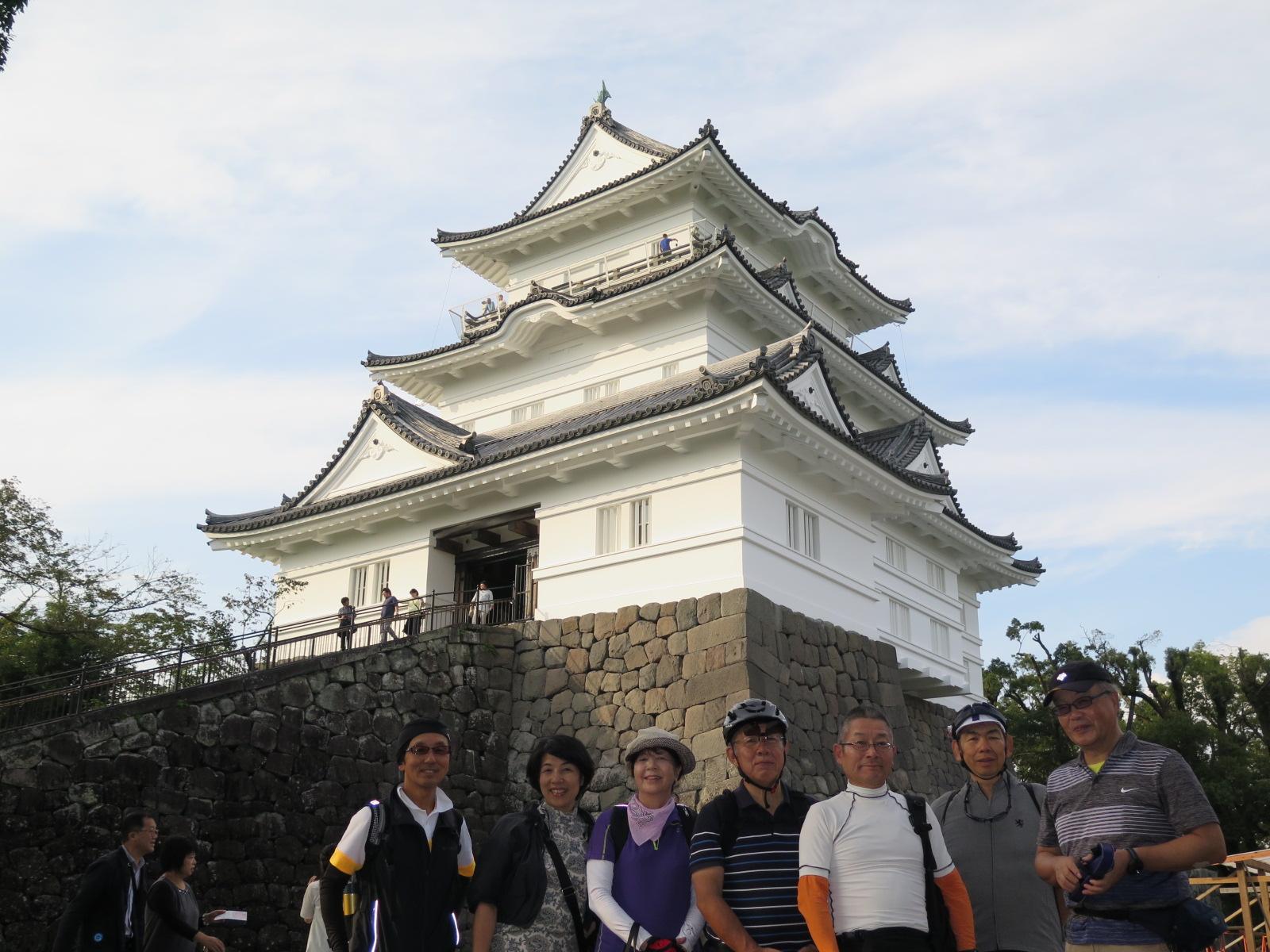 小田原城、リニューアルで真っ白さが際立ちますね。