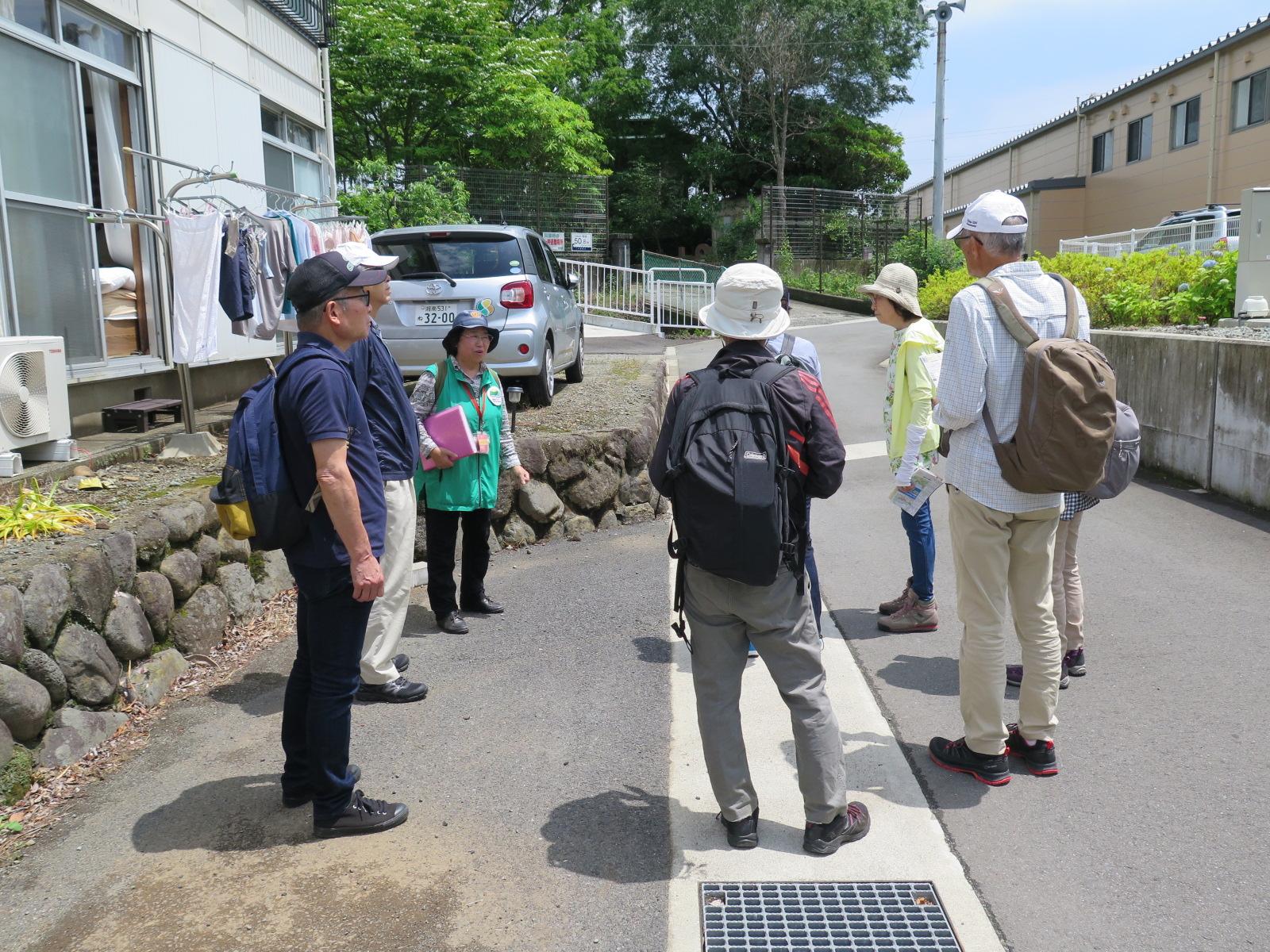 入生田駅前にてミーティング