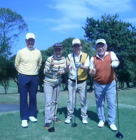 1組左から小林捷二、小宮、高雄、田中写真敬称略