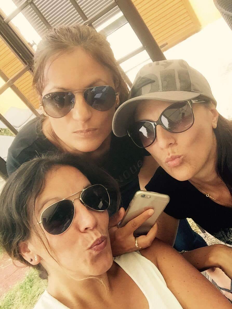 Noémie, Jessica, et Emilie