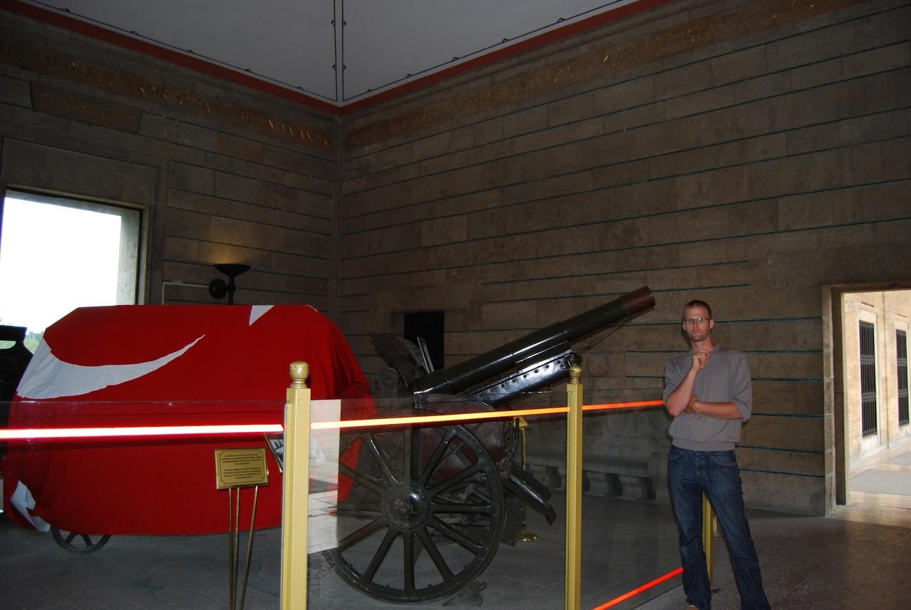 Atatürk Mausoleum (damit wurde sein Sarg in das Mausoleum gebracht)