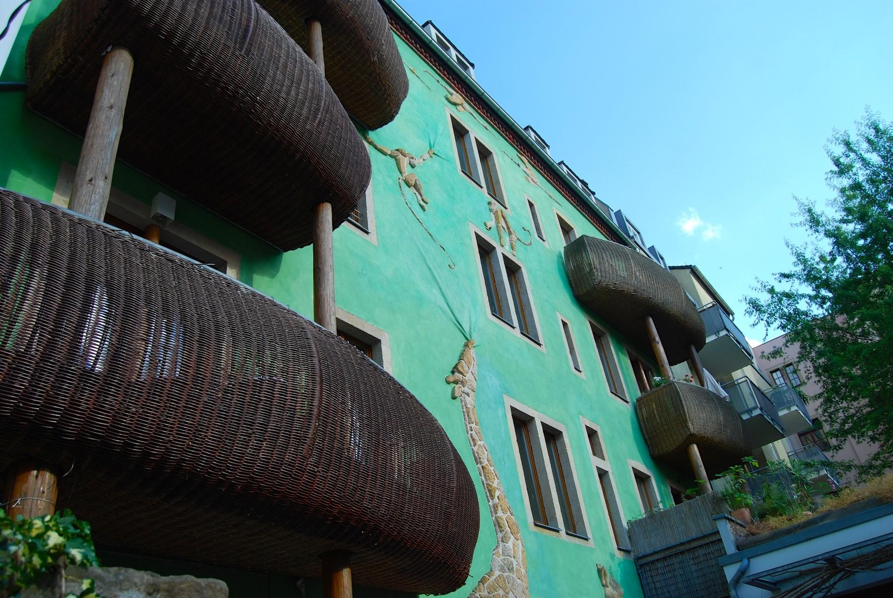 Kunsthofpassage Dresdner Neustadt mit Blick auf Kathis alte Wohnung