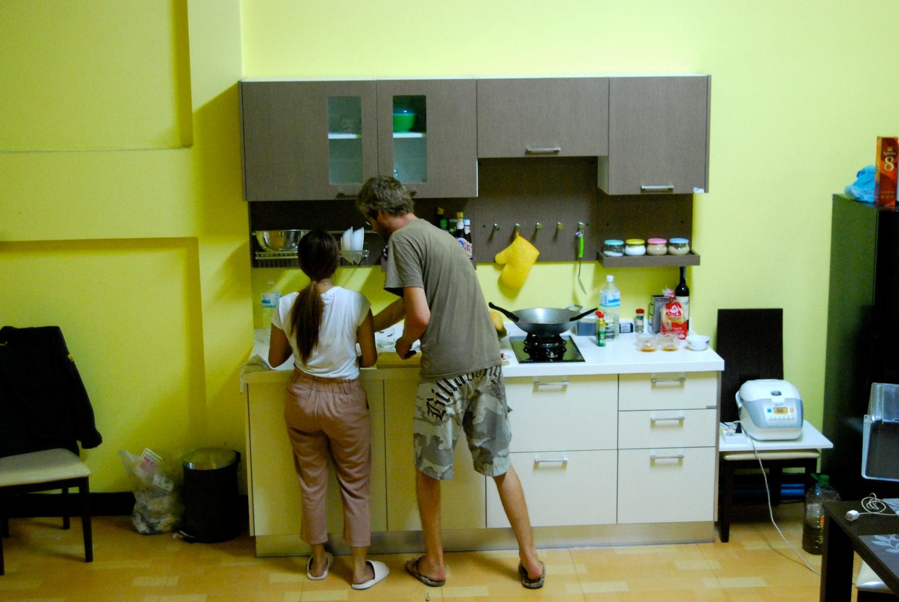 David und Minty beim Kochen
