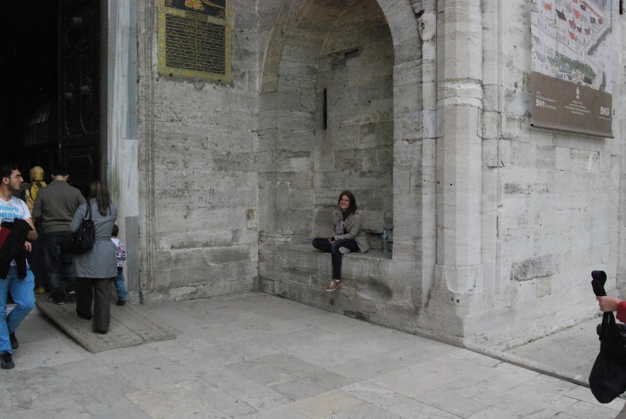 Vor dem Schloss in Istanbul