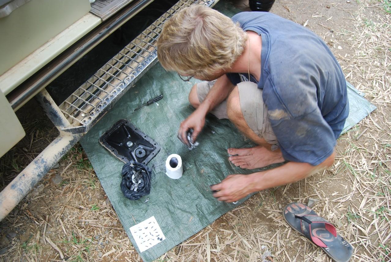 Wir untersuchen, was alles im Getriebeöl schwamm
