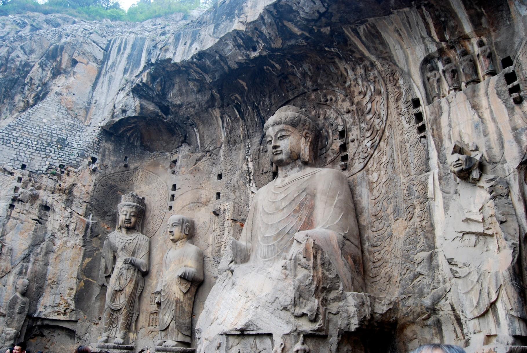 Eine 17m große Buddhastatue
