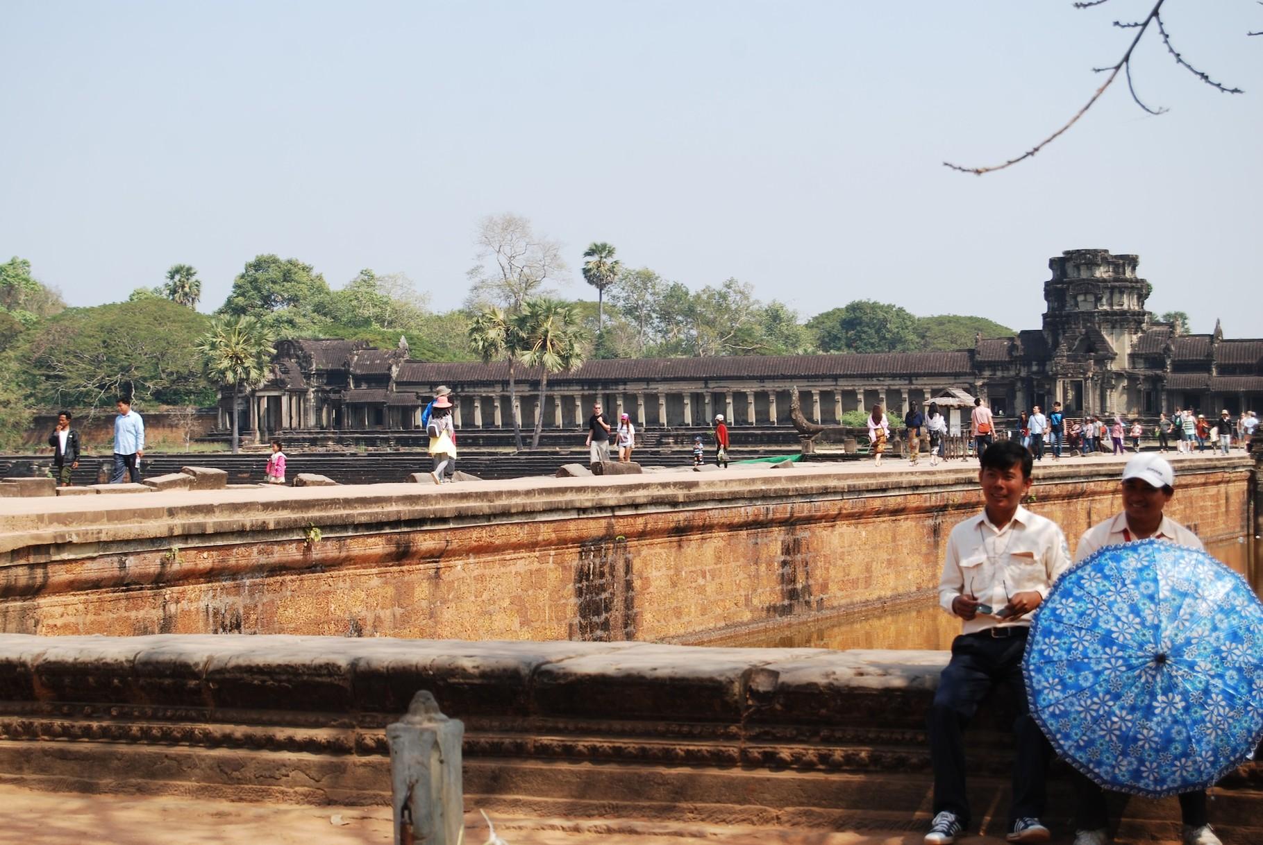 Samy und Minty vorm Angkor Wat