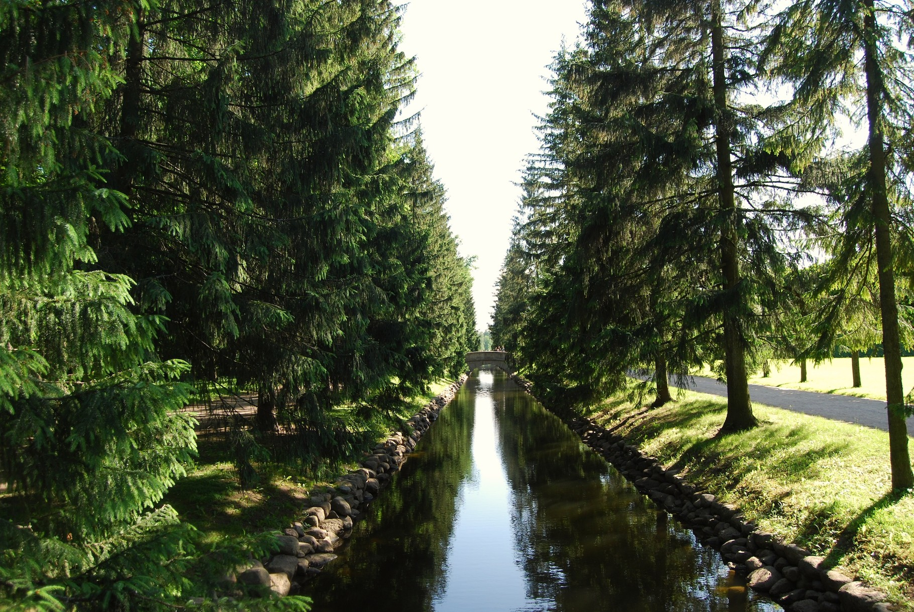 Parkanlage im Ekaterinenpalast in Pushkin