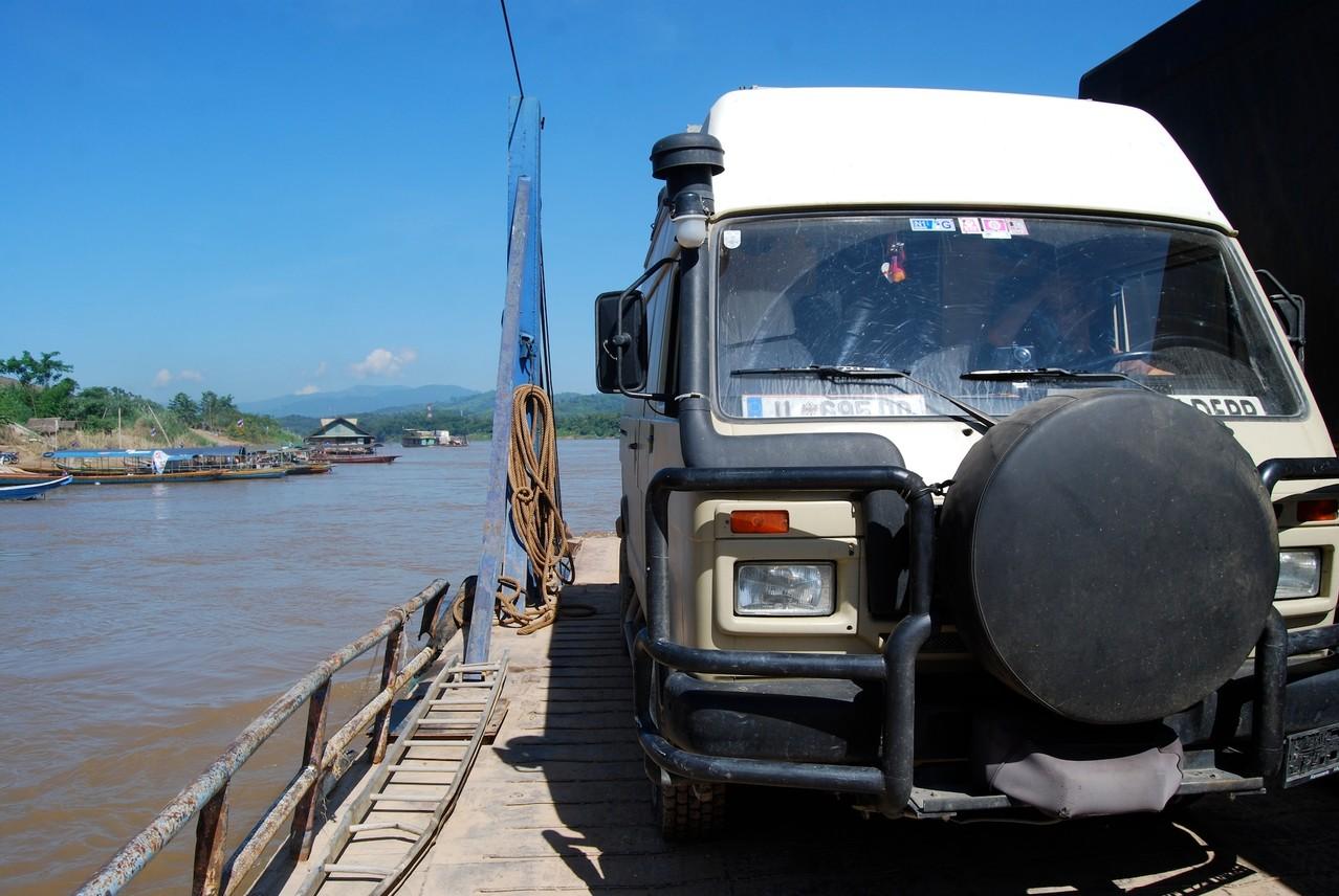 Überfahrt Nummer 1 über den Mekong
