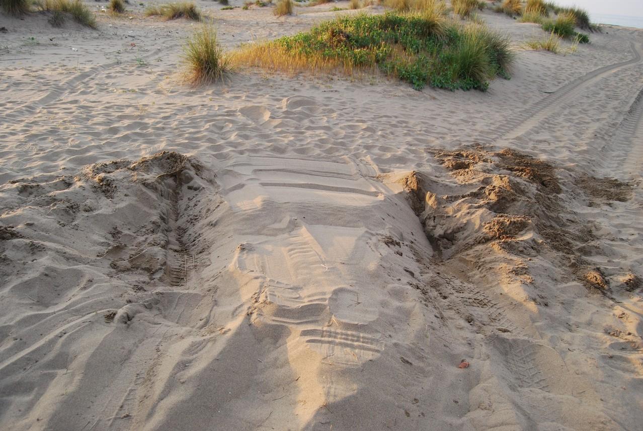 Crystler Voyager vs. Sand