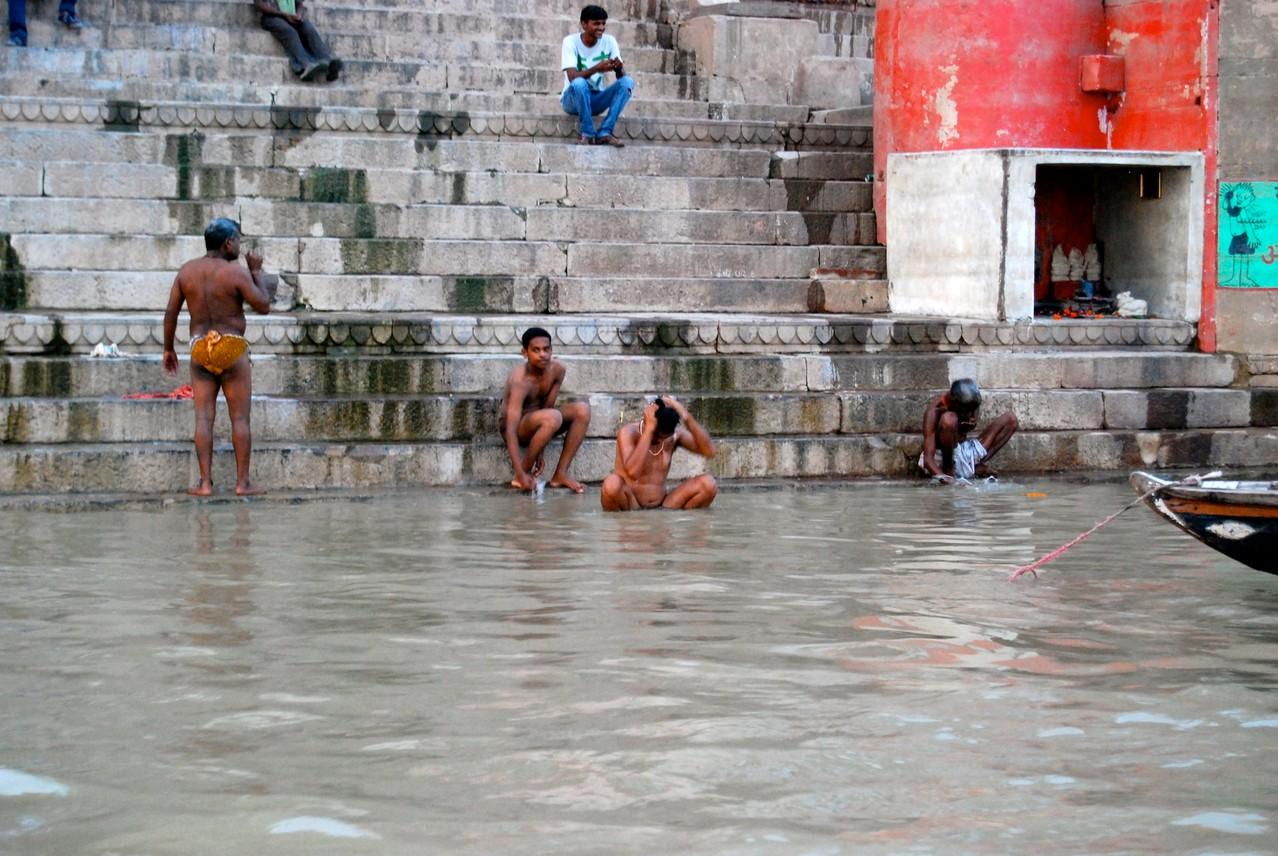 Waschen am Ganges