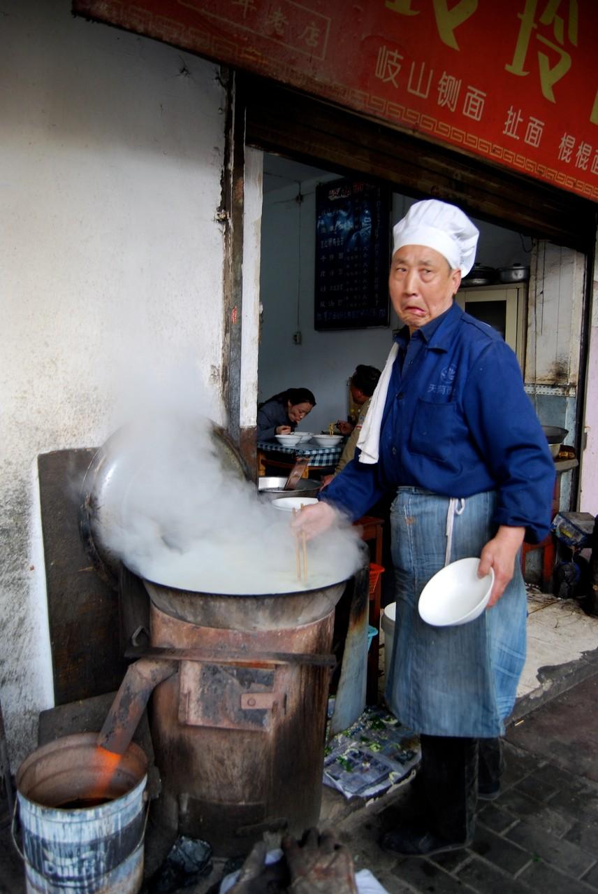 Der beste Nudelsuppenkoch in ganz China! (und der witzigste)