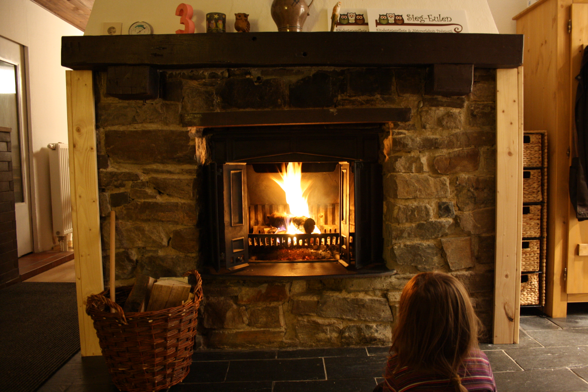 Winter: Das Feuer erwärmt uns von außen und innen zugleich