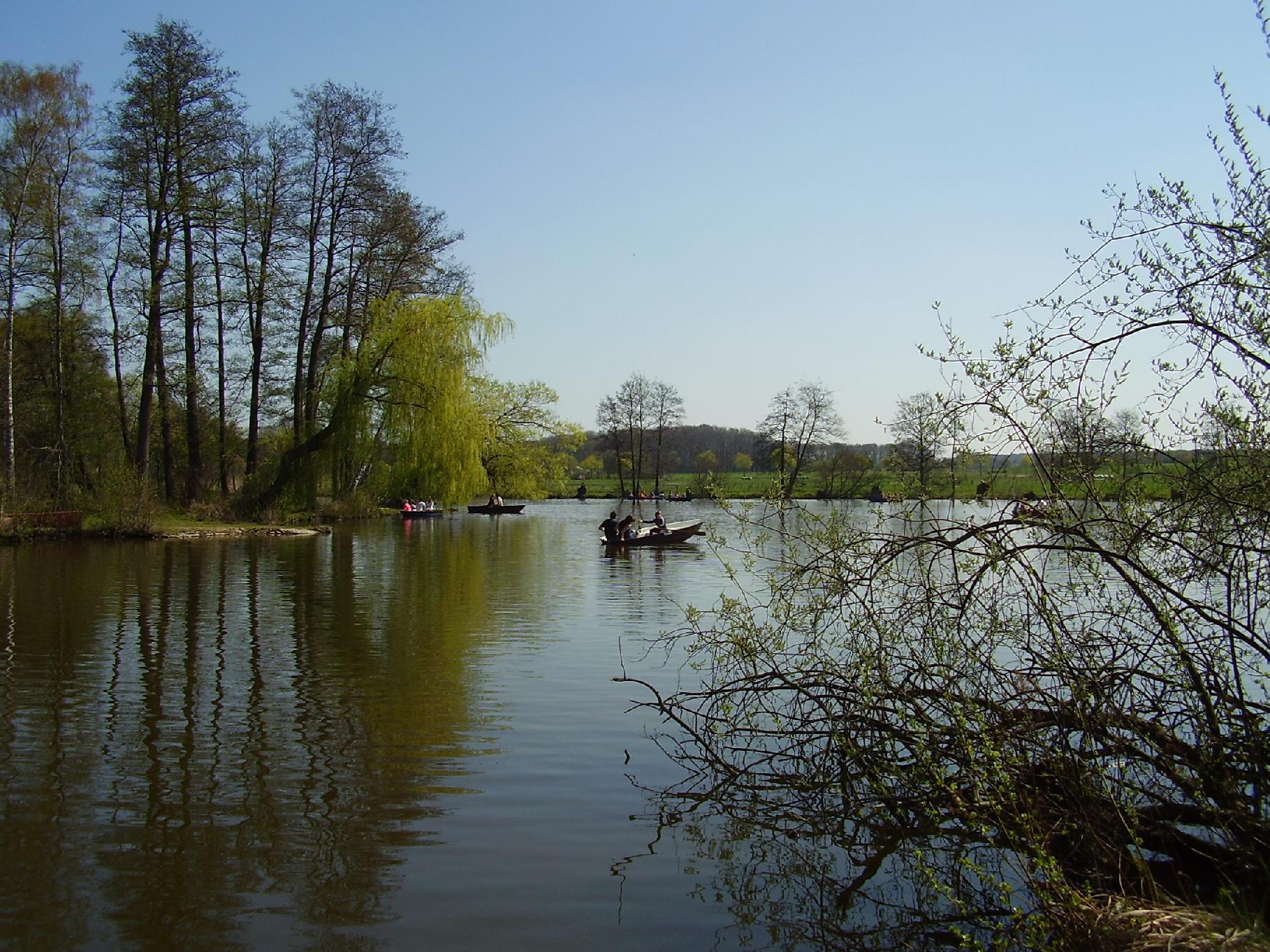 Seeboote auf dem Hücker Moor