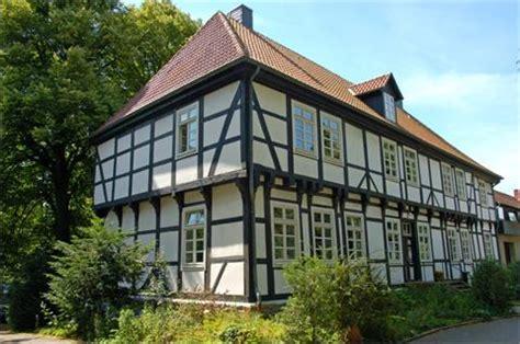 Die Biostation mit ihrem Sitz im Herrenhaus in Stift Quernheim
