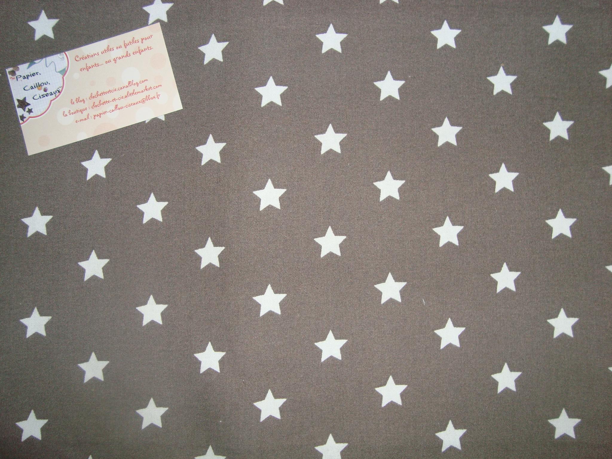 Etoiles 1,7cm fond gris foncé