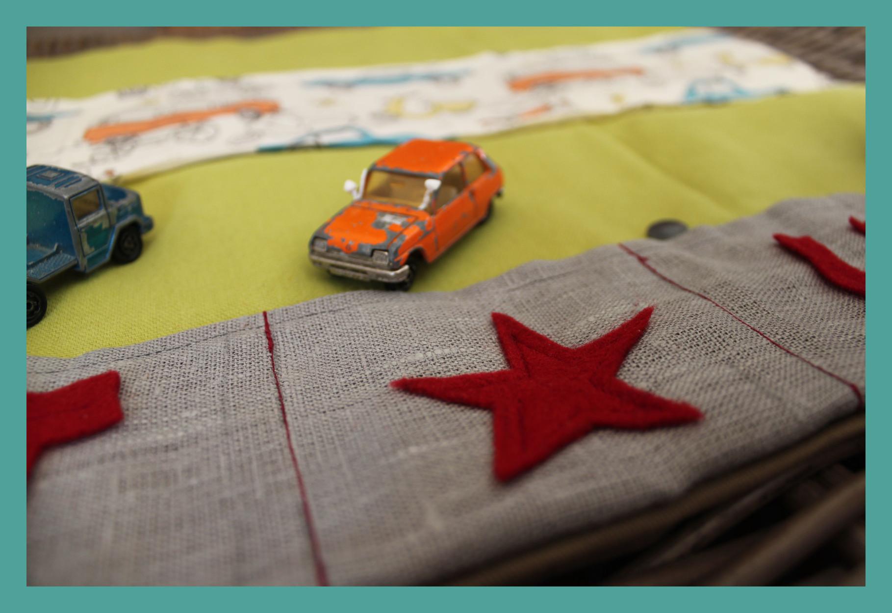 Cosy Car = Pochette de jeu pour petites voitures