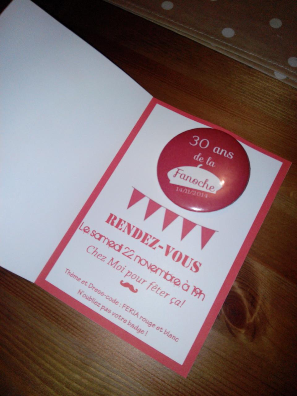 Badges invitations anniversaire invités personnalisés