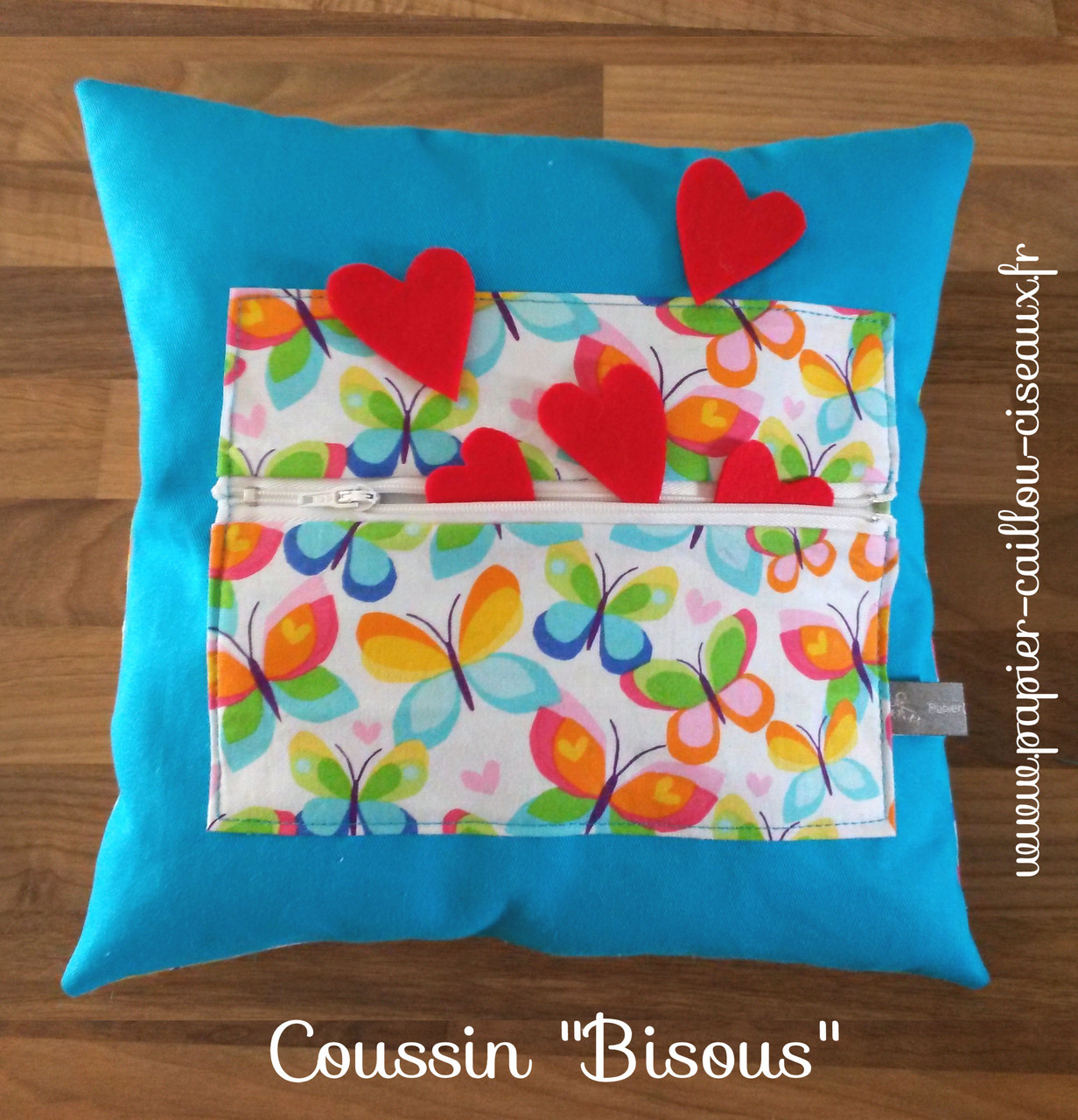 """Coussin """"Bisous"""""""
