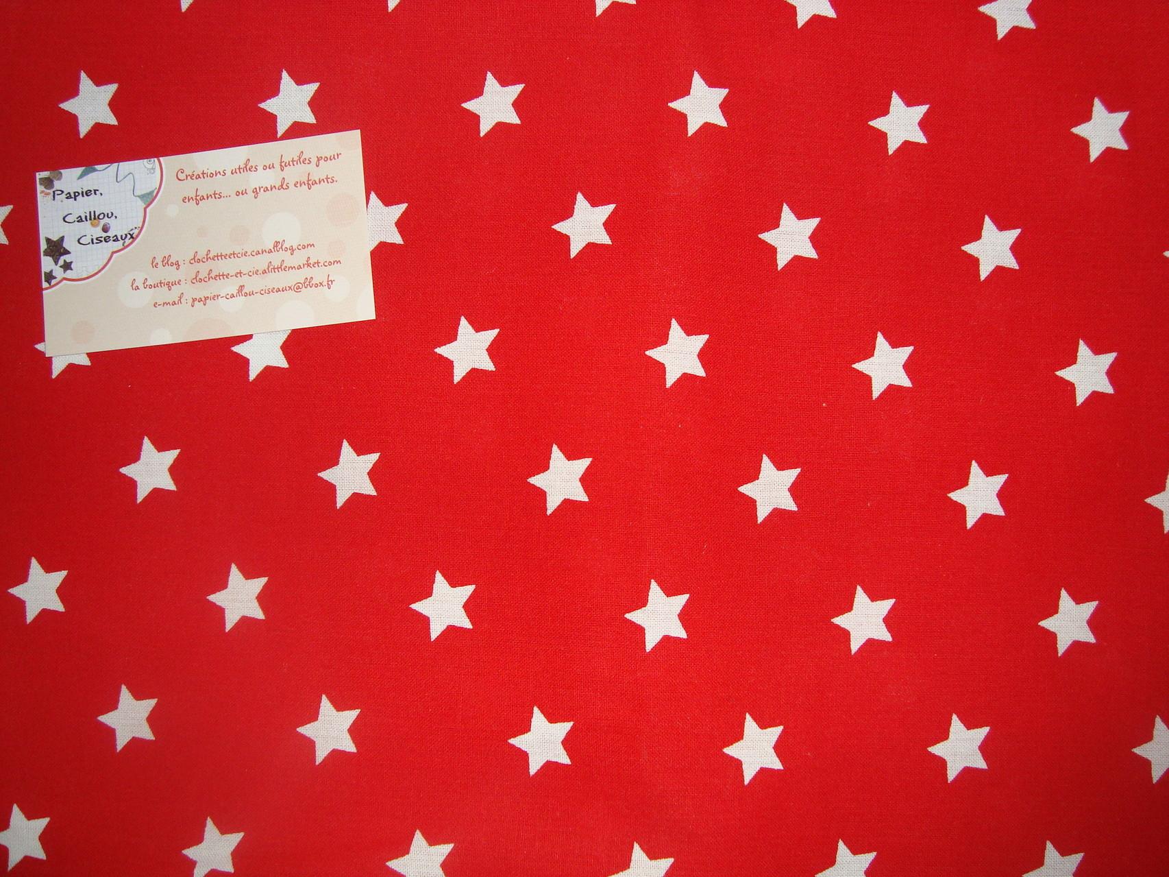 *Noël* Etoiles fond rouge