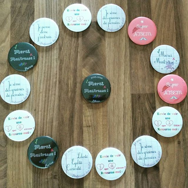badge miroir décapsuleur magnet cadeaux enseignants merci maîtresse