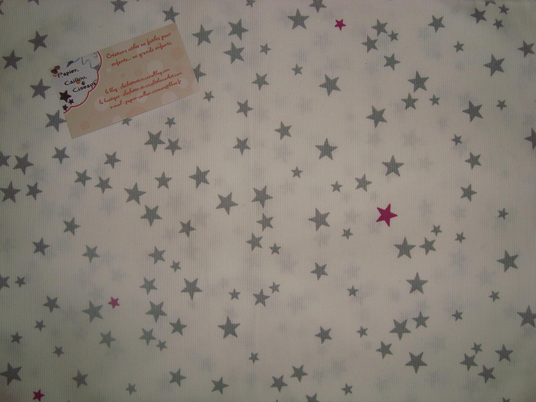 Petites étoiles grises et fushia
