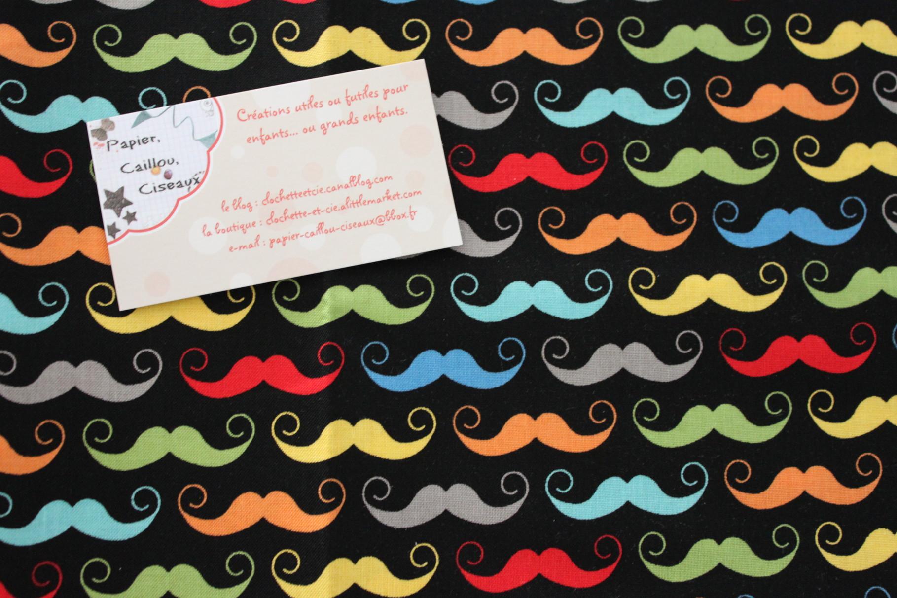 Moustaches multicolores