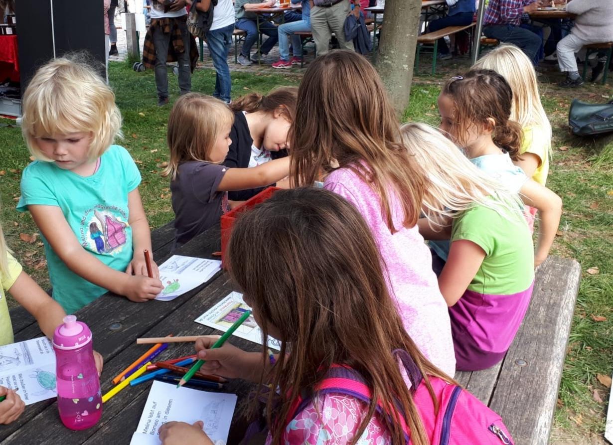 Unseren Maltisch besuchten mehr als 60 Kinder!
