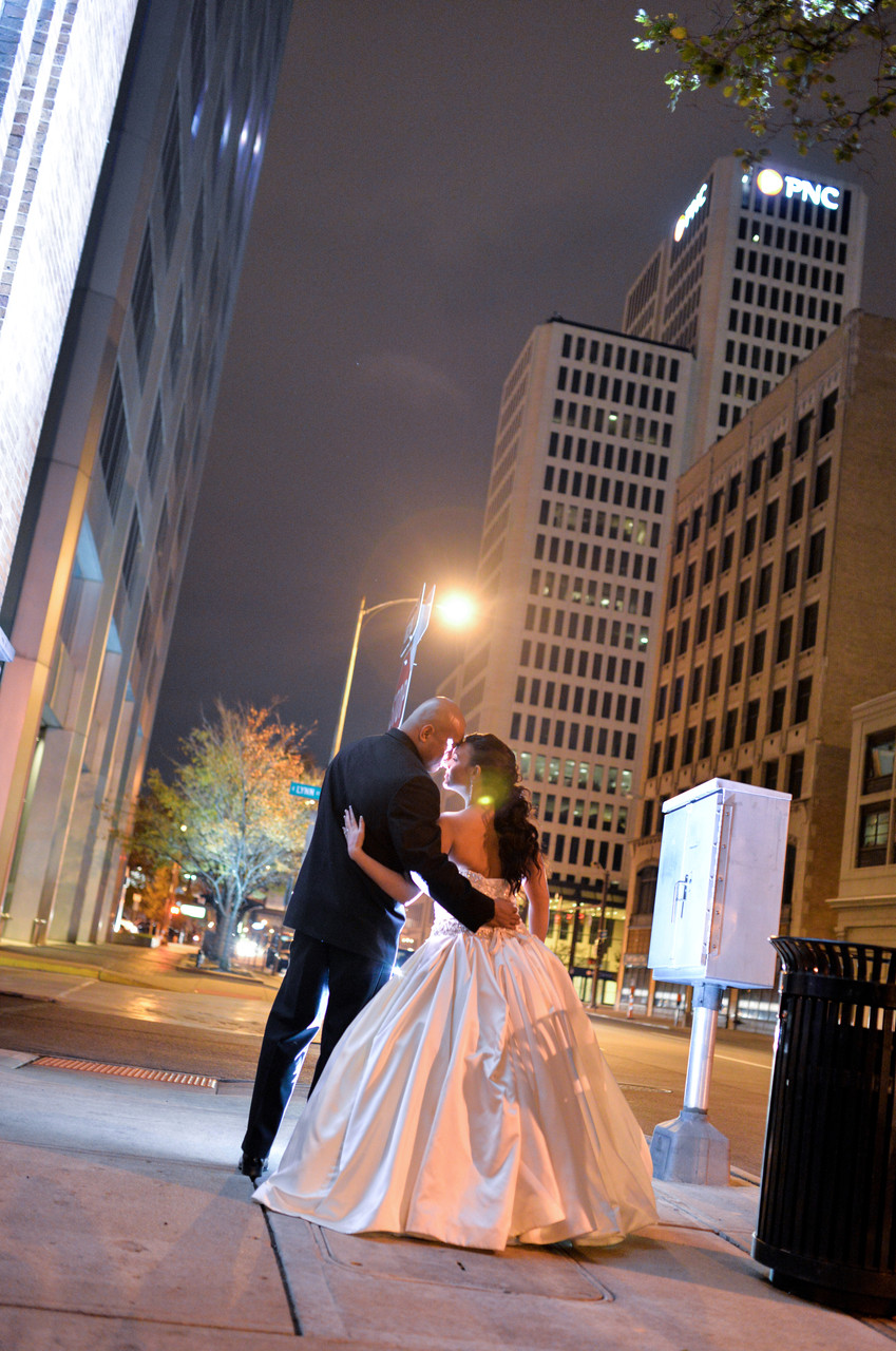 Mallory and Carlo Downtown Columbus, night portrait. Wedding at the Columbus Athenaeum