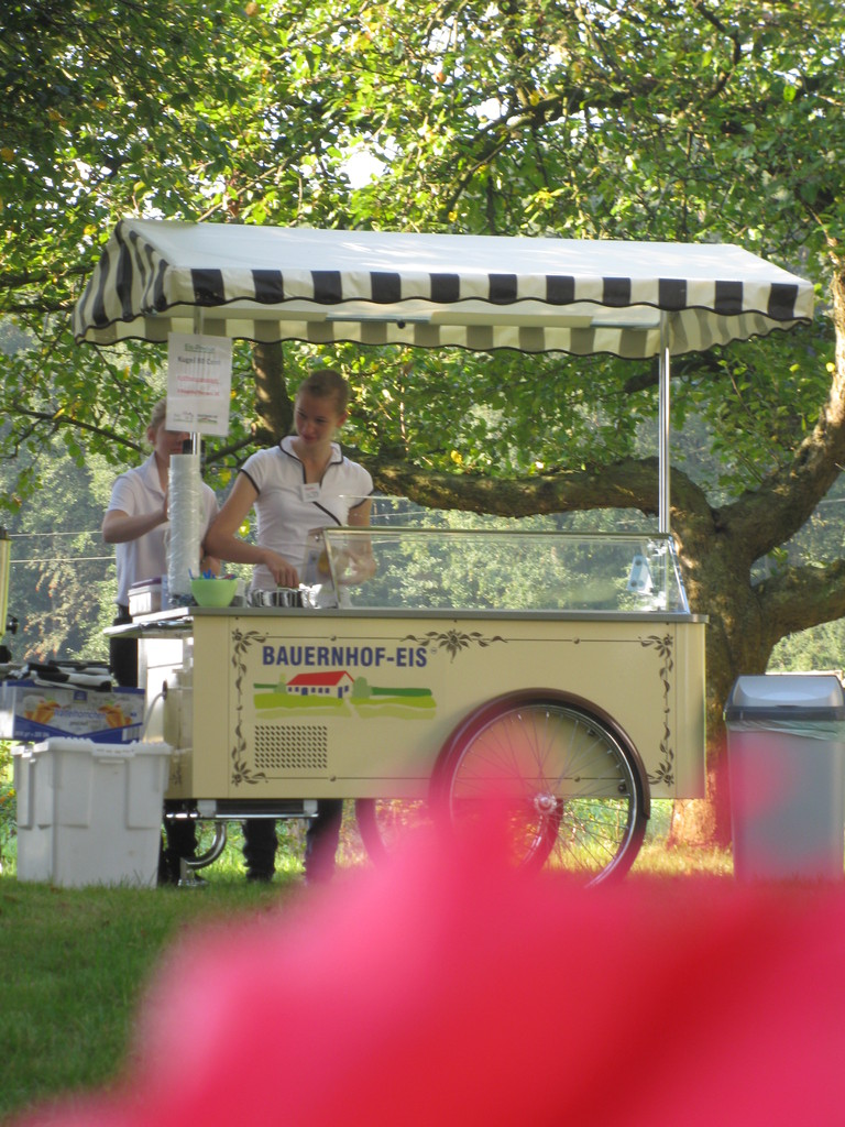 Unser kleiner Eiswagen für Veranstaltungen