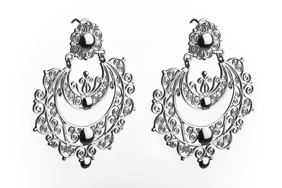 Media Bola filigree earrings