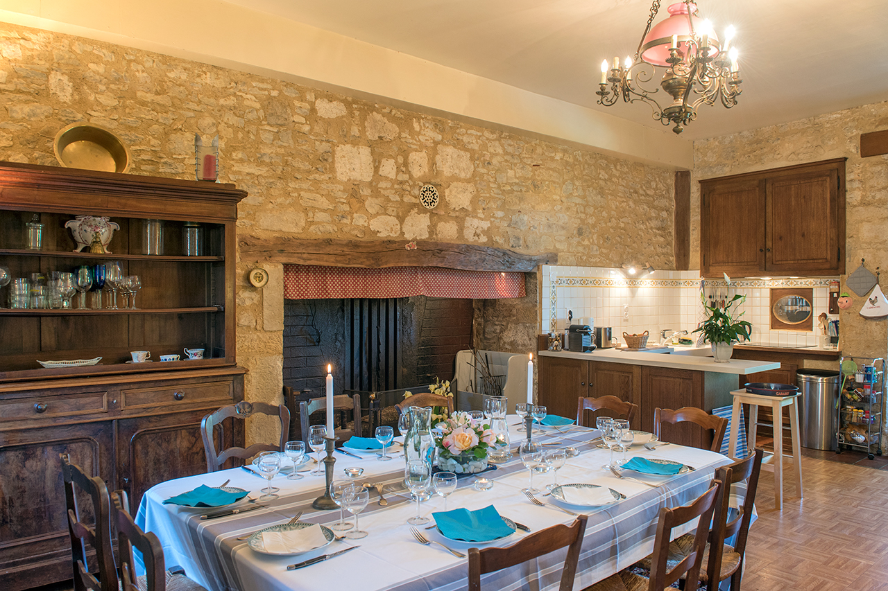 "Domaine de Vielcastel, for 10 to 12 people, dining room and ""cantou"""