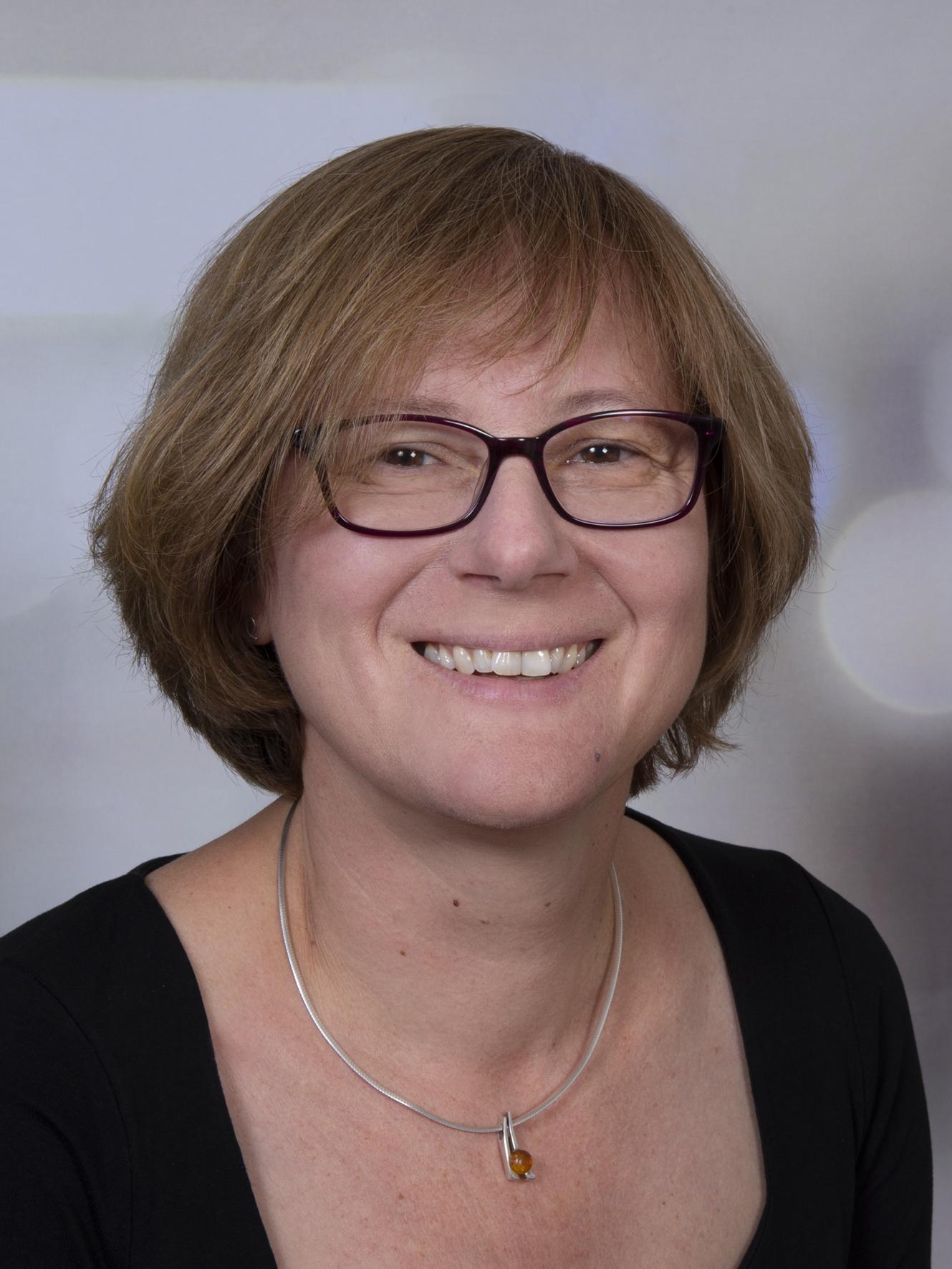 Doris Aebischer, Mitarbeiterin Buchhaltung, aebischer@me4you.ch
