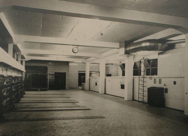 Backraum mit Netzband- und Auszugöfen 1958