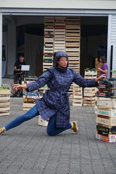 Tanzperformance Charlotte Brohmeyer (Foto: Kalläwe)