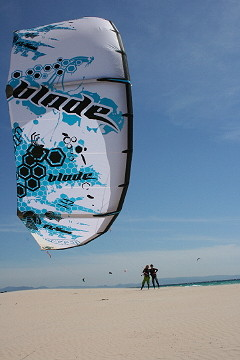 kitesurfing with Free your Mind and blade