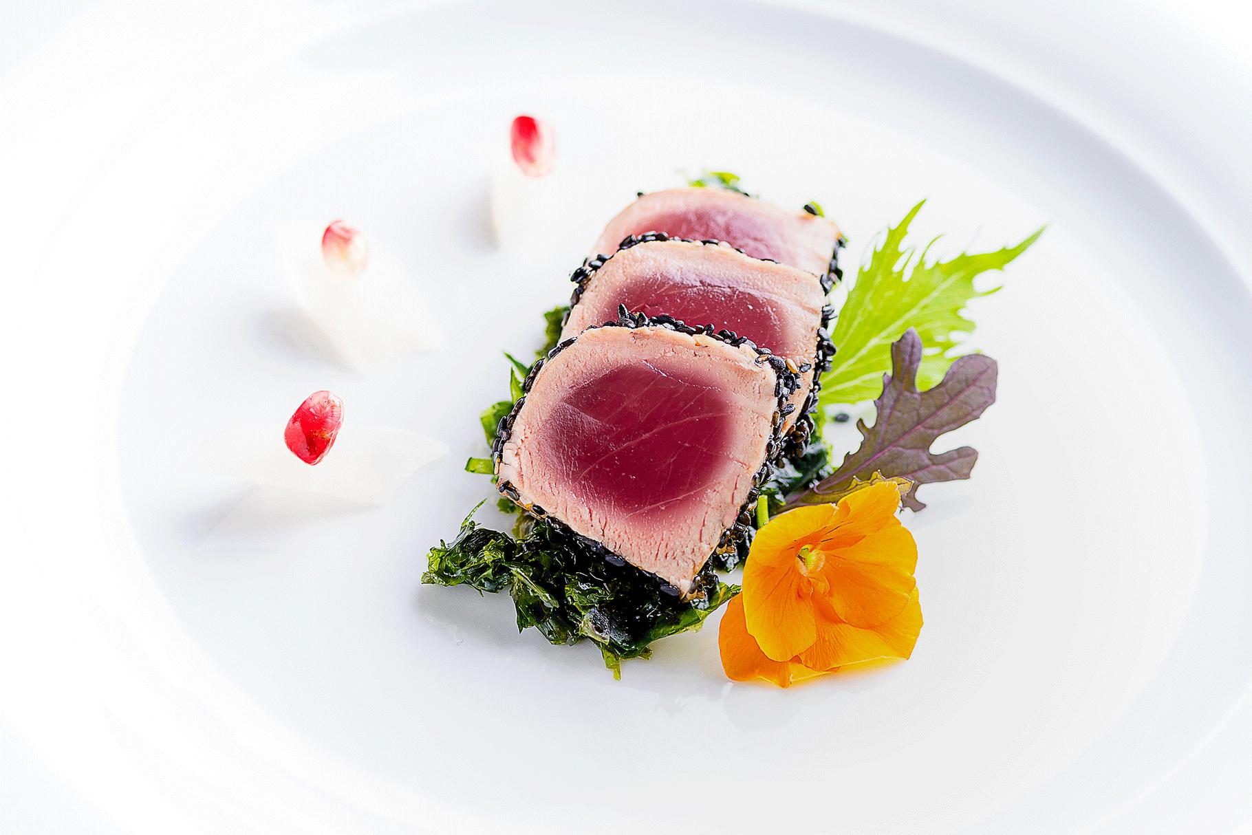 Food-Fotografie Thunfisch mit Algen