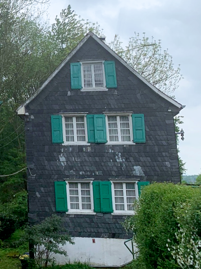 """Schwarzen Hauses"""" - Anbau aus dem XIX. Jahrhundert, Zustand 2020"""