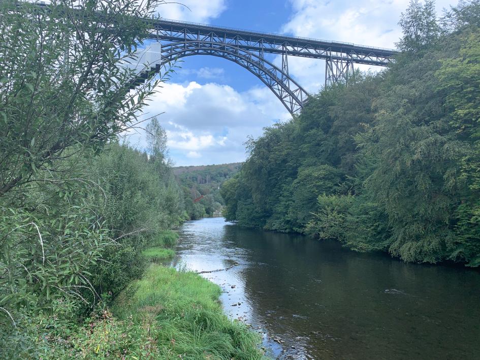 Die Müngstener Brücke über die Wupper