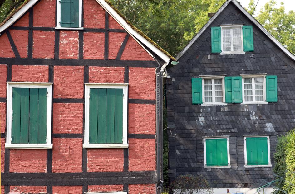 Die Gebäude der Künstlerkolonie, das Rote und das Schwarze Haus in Solingen