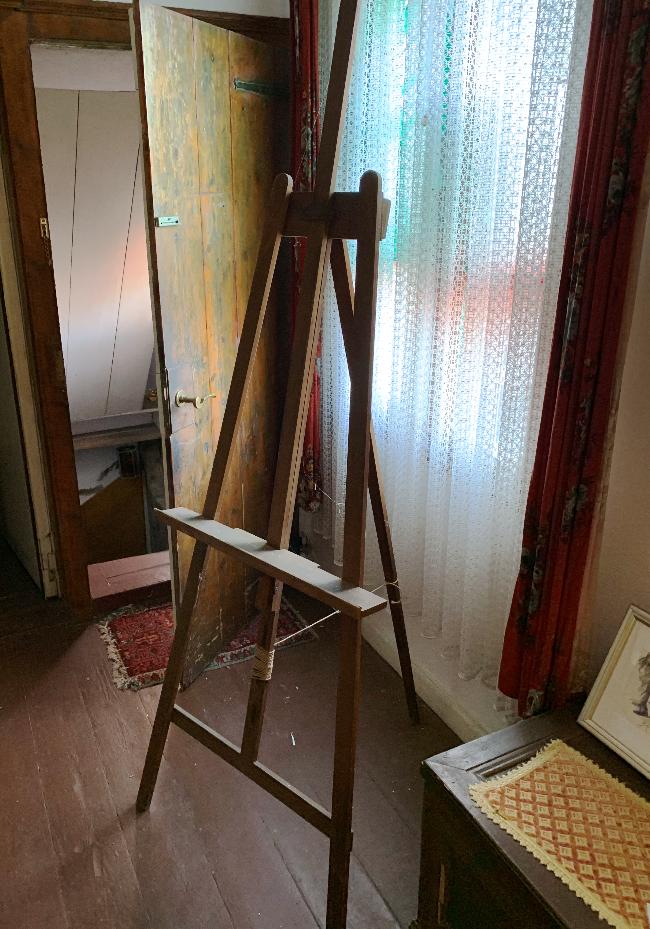 Staffelei aus dem Atelier im Roten Haus