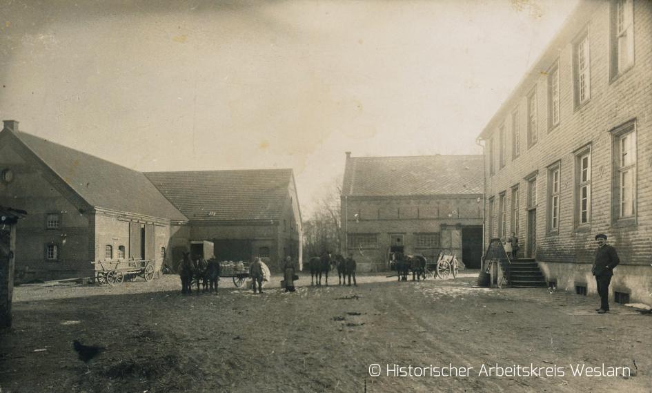 Rittergut Haus Ahse mit Nebengebäude, um 1900