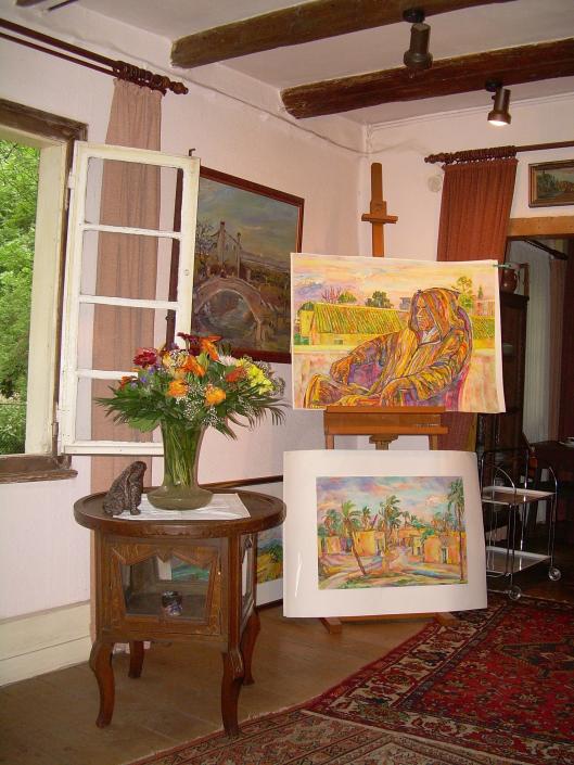 Impression aus dem Atelier von Bettina Heinen-Ayech (1937-2020) im Schwarzen Haus, 2018