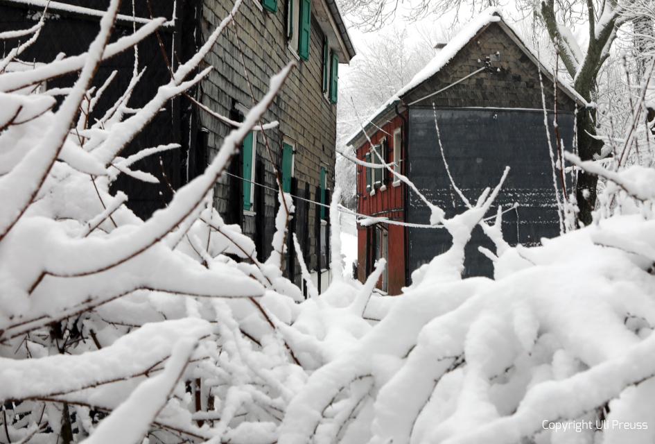 Das Rote Haus bei Schnee, Zustand Februar 2021