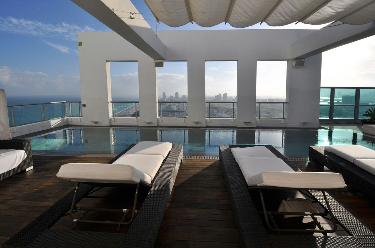 The Setai 4-Bedroom Penthouse Rooftop Pool Deck