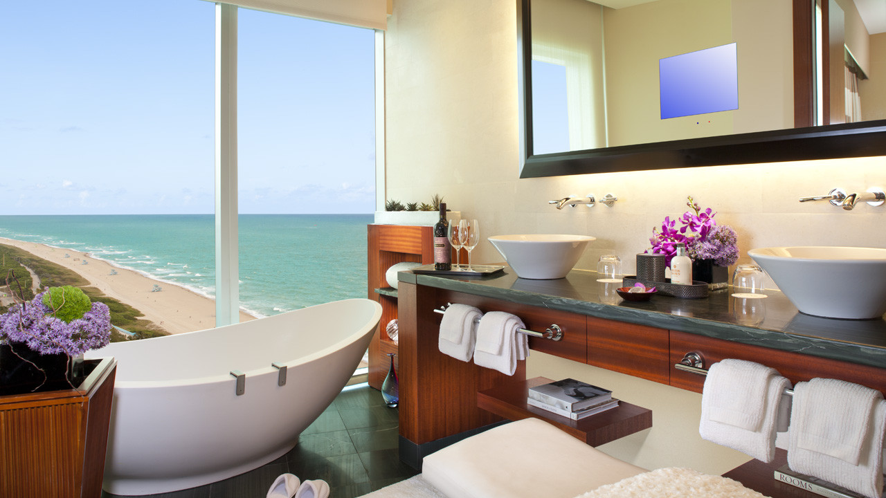 The Ritz-Carlton, Bal Harbour Partial Ocean View Room Bathroom