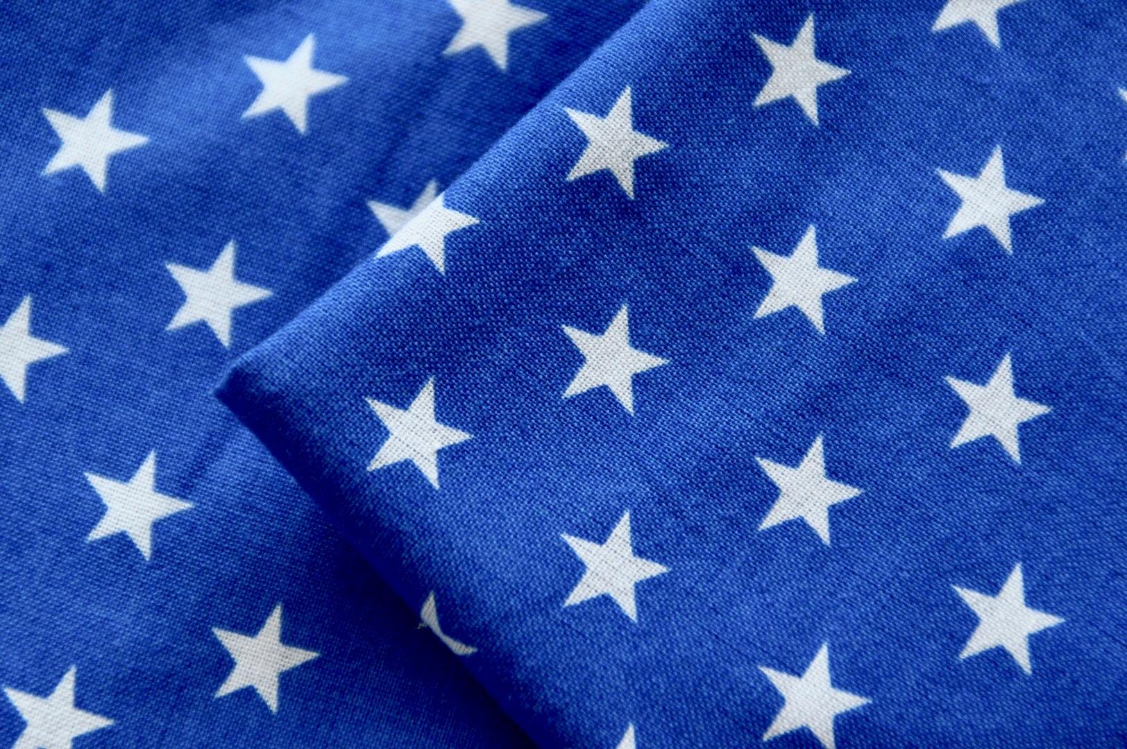 Sterne blau