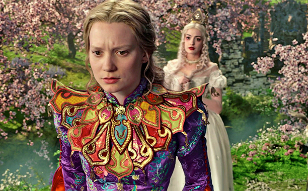 Mia Wasikowska & Anne Hathaway in Alice Through The Looking Glass