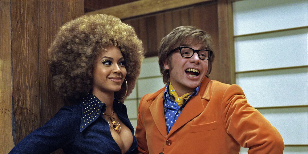Beyoncé Knowles & Mike Myers in Austin Powers' Goldmember